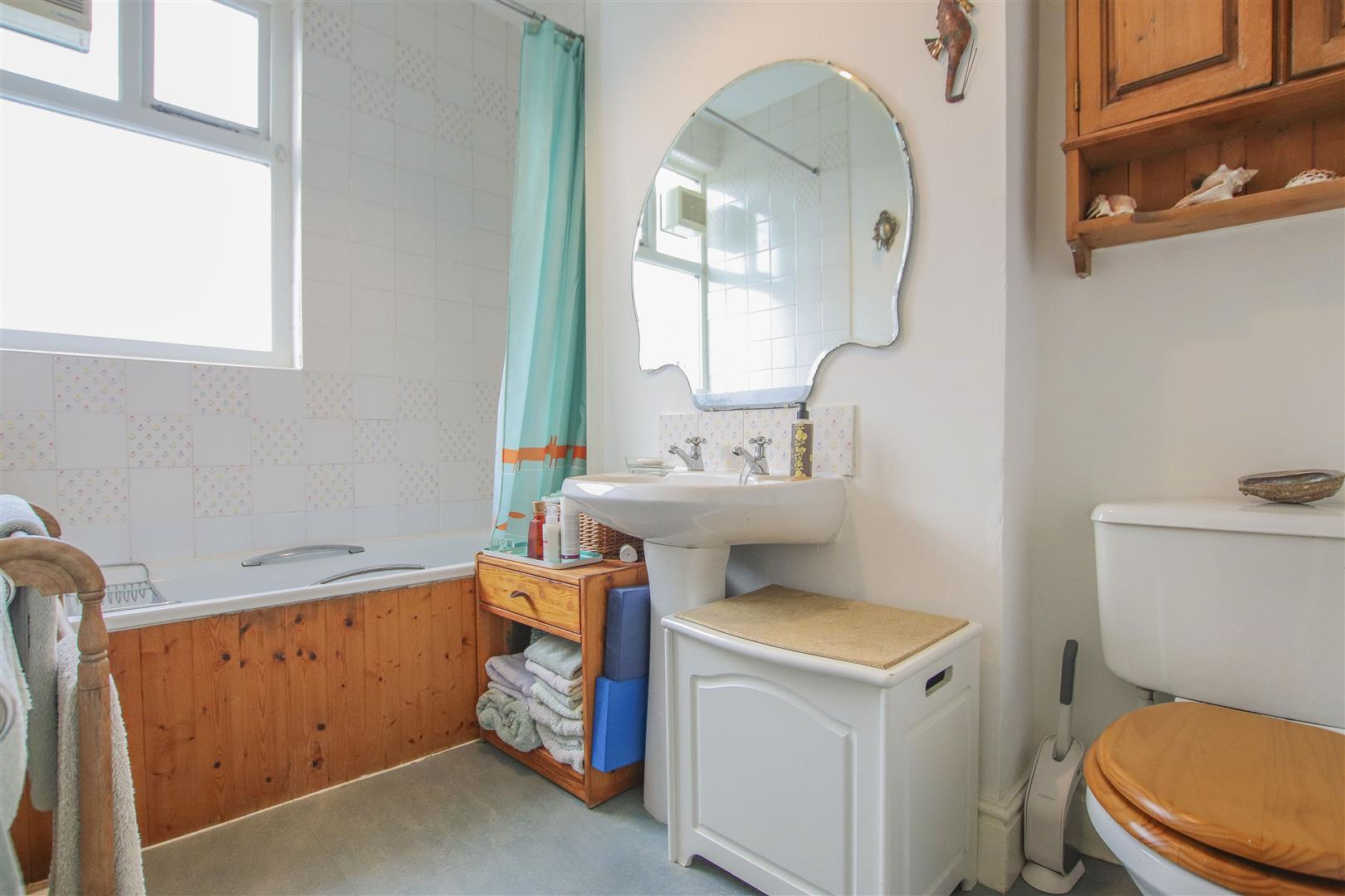 3 Bedroom Terraced House For Sale - Image 13